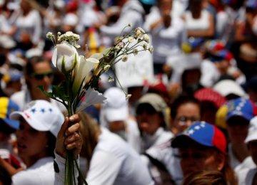Women Protest Aganist Maduro