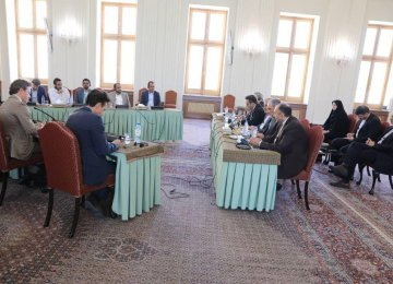 Tehran Hosts Trilateral Talks on Yemen
