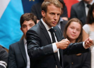Macron Pushes Broad Alliance Against Nationalists for EU Vote