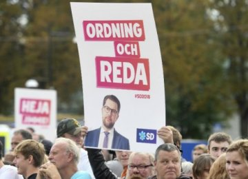 Swedes Set for Knife-Edge Vote Amid Far-Right Surge