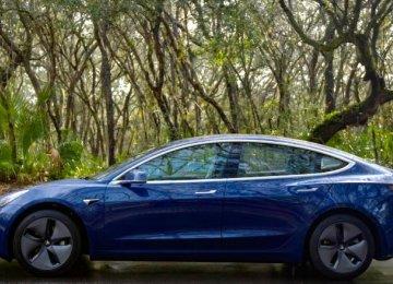 Tesla Admits Model 3 Braking Issue, Promises Fix