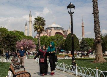 Turkey Tourism Up 16%