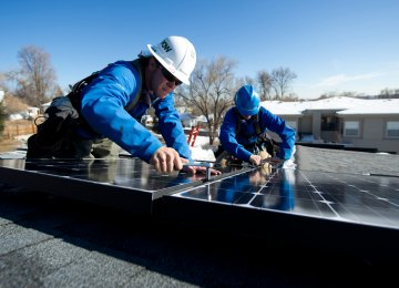 US Solar Industry Lost 10,000 Jobs in 2017