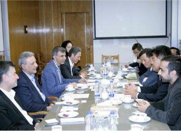 Iran, China Sign Academic Agreement