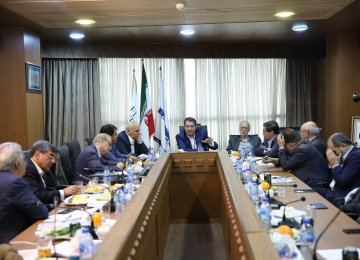 Iran Industries Minister Outlines Priorities In a Meeting Hosted by DEN Media Group