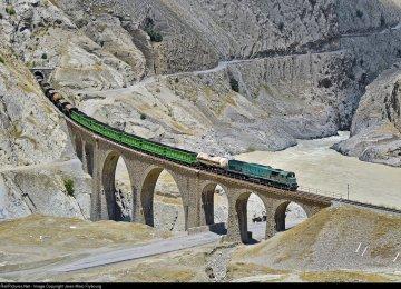 Exports Via Railroad Up 55 Percent - (Photo: Jean-Marc Frybourg, Railpictures.net)