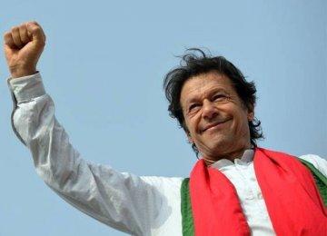 Pakistan MPs Elect Imran Khan as Premier