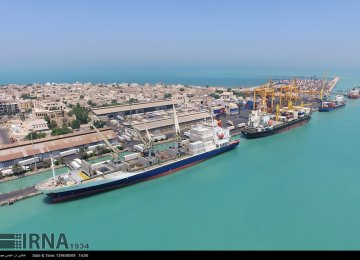Iran's Economic Ties With Qatar Booming, Exports Up 117%