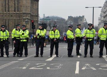 UK Police Foil Queen Assassination