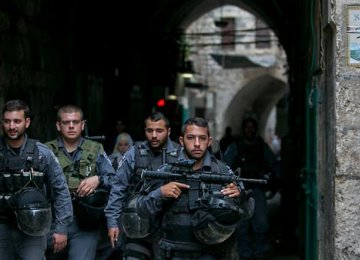 Israel to Arrest Hundreds of Palestinians