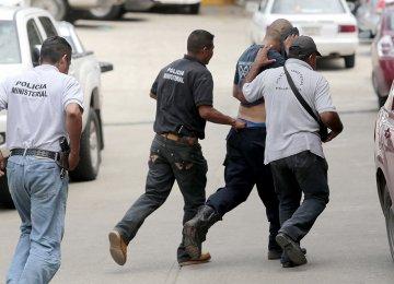 Mexico Arrests 22 Police