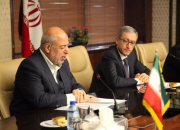 Iran's Energy Minister Hamid Chitchian (L) and Armenian Minister of Energy Infrastructure and Natural Resources Ashot Manukyan co-chaired the 14th session of Iran-Armenia Economic Commission in Tehran this week.