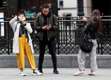 Nokia Challenges Apple, Samsung
