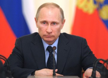 Putin Says Russia Cannot Grow in Isolation