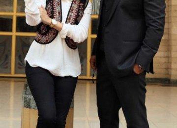Dia Mirza (L) and Mohammad Reza Golzar, behind the scenes in 'Salaam Mumbai'