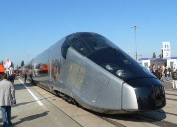 France Orders 15 High-Speed TGV Trains