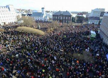 Thousands Demand Iceland PM Resign