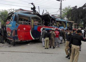 Bomb Kills 15 in Pakistan's Peshawar