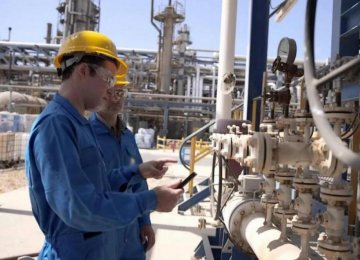 NIOC in Talks to Supply S. African Refineries