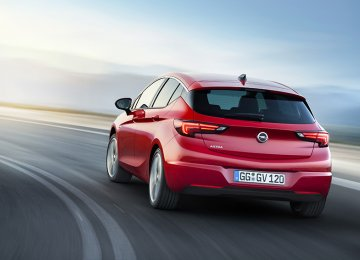 Opel Astra Named  Car of 2016