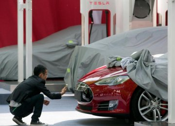 Tesla's Model 3 Orders Top $10 Billion in 36 Hours