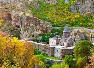 Armenia Laments Lack of Iranian Travelers