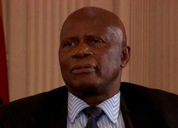 Zimbabweans Resort to 'Pillow Banking'