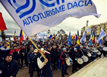 Mass Protest at Romanian Automaker Dacia