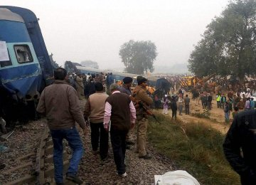 Scores Killed as Train Derails in India
