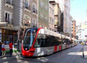 MIT Professor Warns Turkey of Economic Collapse