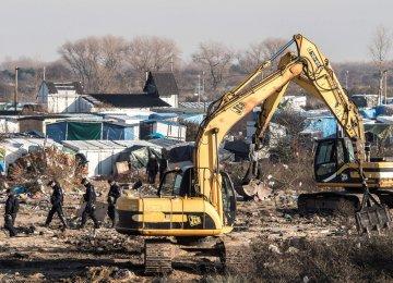 "Calais ""Jungle"" Cleanup Starts"