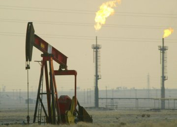 (P)GCC Oil Revenues to Plunge $400b in 2016