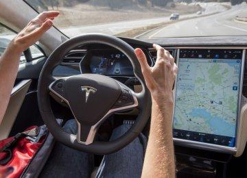 Tesla Fully Autonomous Cars Ready by 2017
