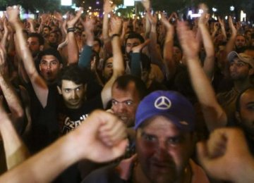 Armenia Police Clash With Protesters