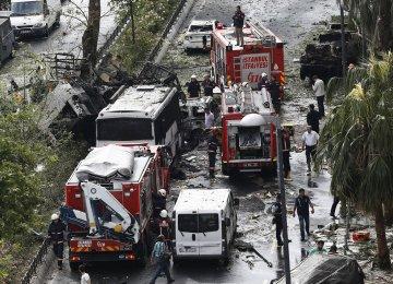 Car Bomb  Kills 11 in Istanbul