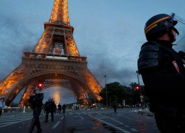 Paris Police Make 40 Arrests in Euro 2016 Riots