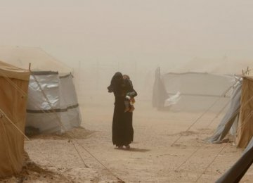 Iraqi Camps Overwhelmed by Fallujah Residents