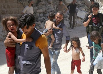 Syrian Families Start Leaving Aleppo