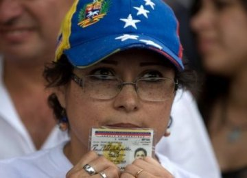 Maduro Goes to Court to Block Referendum