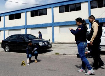 Venezuelan Woman Shot Dead During Latest Looting