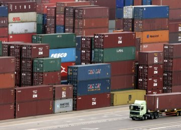 Record Surplus in 4-Month Non-Oil Trade