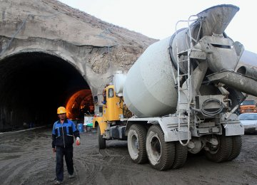 Tehran-North Freeway Makes Progress