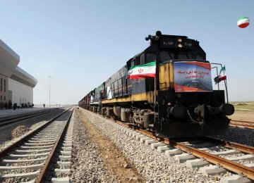 Tehran, Ashgabat Hold Transit Talks