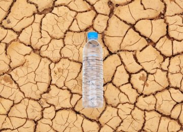 Minister Ties Water Crisis to Low Tariffs