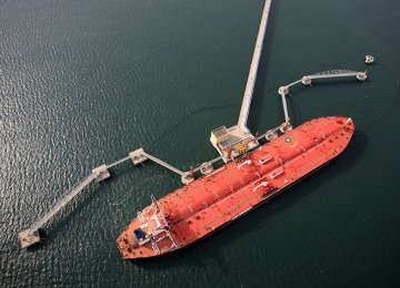 India's April Iran Crude  Imports Rise 49% YoY