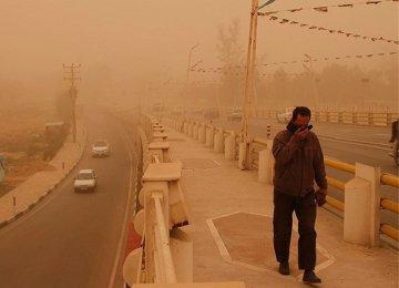 325 Hurt in Dust Storms