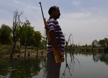 Armed Guards at Dams as Drought Grips Central India