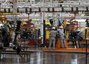 Mexico Should Boost Factory Output