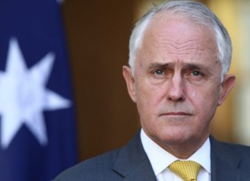 Australia PM Urges Opposition to Help Tackle Deficit