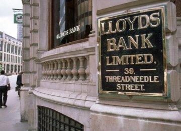 Lloyds Cuts Costs by 2%